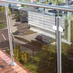 Nerūdijančio plieno turėklai su stiklu